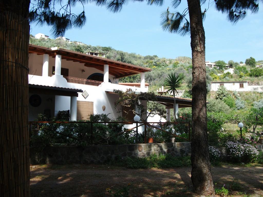 Prezzi appartamenti a lipari villa eoliana for Appartamenti lipari